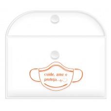 Embalagem em PVC c/ tampa e botão c/ gravação 1 cor, para armazenar máscaras flexíveis dobradas, perfeito para uso em bolsos e bolsas - Ref. 3098 TRS